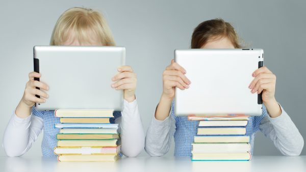 Students who read print books have a better reading comprehension